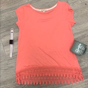 Short sleeve top with crochet detail